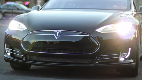 Cops say US Tesla driver crashed into police car while using autopilot, watching movie