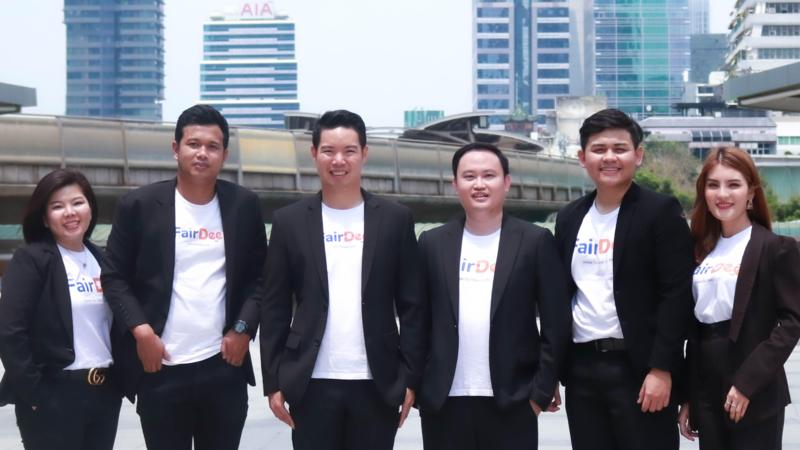 Thanasak Hoontrakul, managing director of FairDee (third from the left)