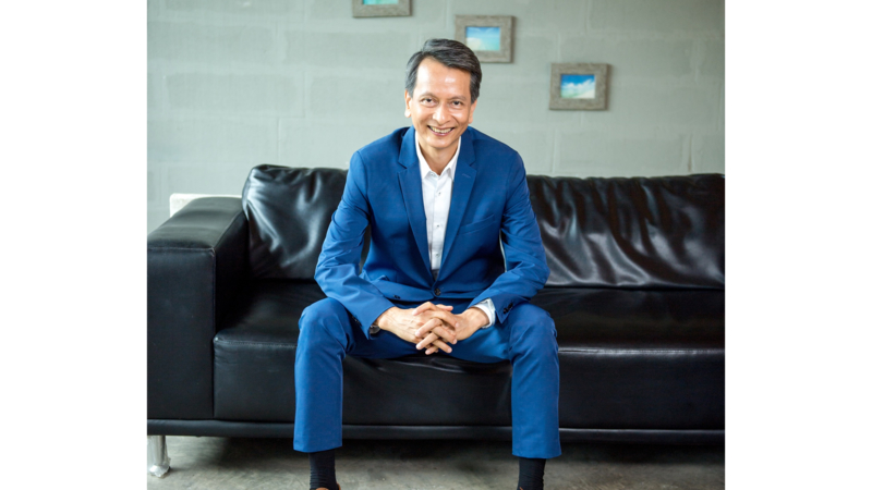 Taveesak Saengthong, Managing Director, Oracle Thailand