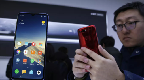 Huawei launches long-awaited operating system in bid to knock Google off top place