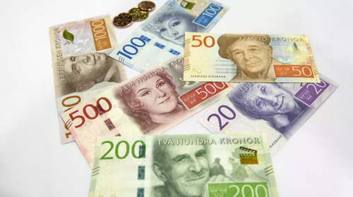 Record little cash in Sweden prompts security warnings
